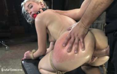Chloe Cherry, Donnie Rock - The Stinging Torment Of Chloe Cherry - Brutalsessions