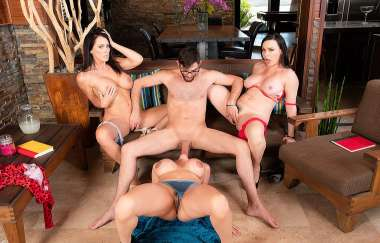 Ariella Ferrera, Dana Dearmond, Reagan Foxx, Logan Long - My Friends Hot Mom