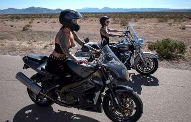Anna Bell Peaks, Felicity Feline, Johnny Sins - Bloodthirsty Biker Babes: Part 3 - Brazzers Exxtra