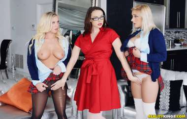 Chanel Preston, Bailey Brooke, Daisy Lynne - Stepdaughters Dirty Friend - Moms Lick Teens