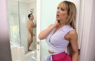 Cherie Deville, Tyler Nixon - Sneaking Around With Her Bffs Son - Milfs Like It Big