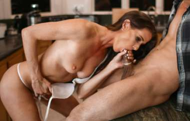 Sofie Marie - Snatch Chat, Scene 5
