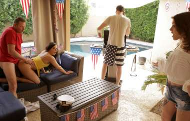 Rosalyn Sphinx, Whitney Wright - Fourth Of July Family Fuck - Myfamilypies