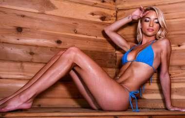 Paisley Rae, Van Wylde - Sauna Seduction - Brazzers Exxtra