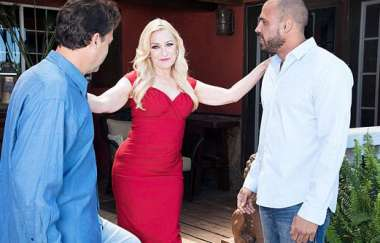 Robin Pachino - Robin Pachino Gets Dpd By Her New Neigh… - 60plusmilfs