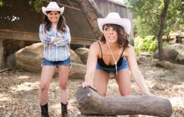 Shyla Jennings, Adriana Chechik - Cowgirls