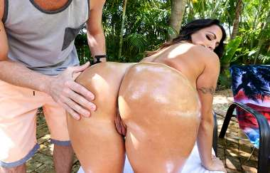 Julianna Vega, Tony Rubino - Stalking That Booty - Ass Parade
