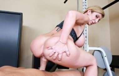 Sara Jay , Christian - Housewife 1 On 1