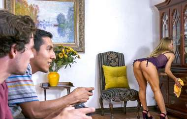 Nicole Aniston - Bath Time With Nicole - Bangbrosclips