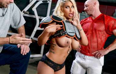 Bridgette B, Johnny Sins - Get Your Head In The Game - Pornstars Like It Big