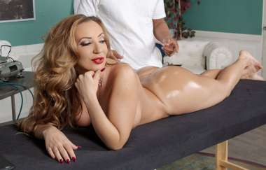 Richelle Ryan, Ricky Johnson - Spray Me Down There - Dirty Masseur