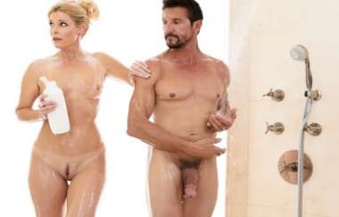 India Summer, Tommy Gunn - The Boss And The Client - Nurumassage