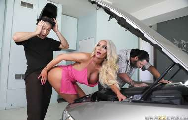 Nicolette Shea, Michael Vegas - Hump-starting Her Ride - Real Wife Stories