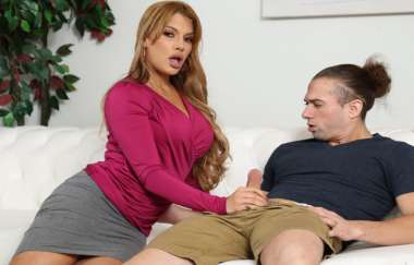 Mercedes Carrerra - Handy Stepmom Cums To The Rescue