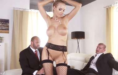 Florane Russell - Gets Both Her Holes Used By Her Husband And His Friend - Bangglamkore
