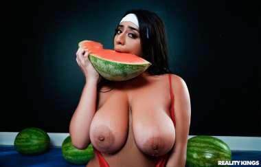 Violet Myers , Duncan Saint - Wetter Melons - Big Naturals