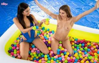Emily Willis, Paige Owens - Ballin Booties - Whengirlsplay