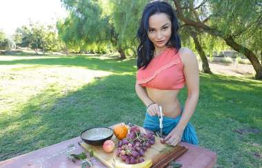 Crystal Rush - Picnic And A Hard Dick - Gotmylf