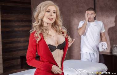Nina Hartley, Xander Corvus - Milfy Massage - Dirty Masseur