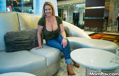 Abigail - Thick Big Natural Tits Blonde Milf