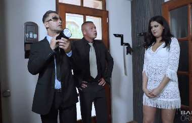 Coco De Mal - Coco De Mal Lets Two Agents Fuck Her Ass To Avoid An Investigation Charge - Bangglamkore