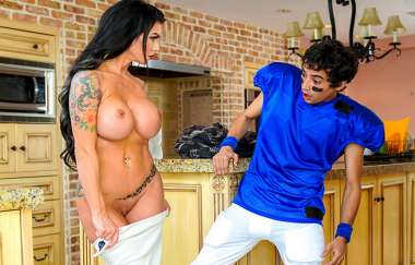 Ricky Spanish, Melissa Lynn - Lesson With Squirting Milf - Momishorny