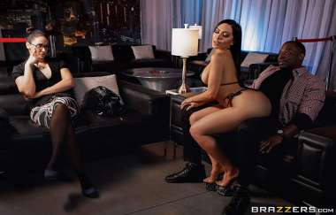 Lela Star, Rob Piper - Laying A Hand On Lela - Brazzers Exxtra