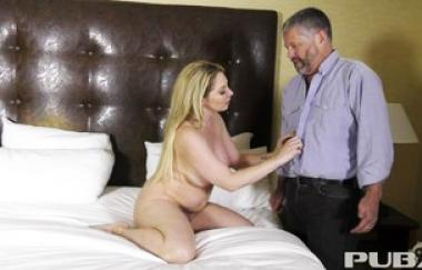 Kiki Daire - Caught By Her Horny Uncle