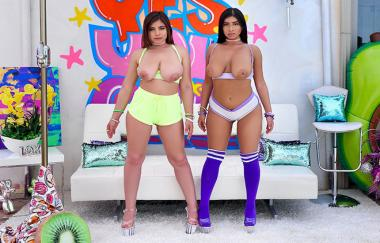 Ella Knox, Violet Myers - Triple D Dream Team With Violet And Ella
