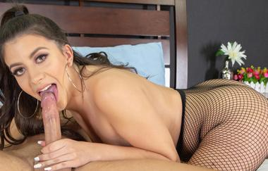Natalie Brooks, Jay Smooth - Natalie Brooks Gets One Hell Of A Facial Live