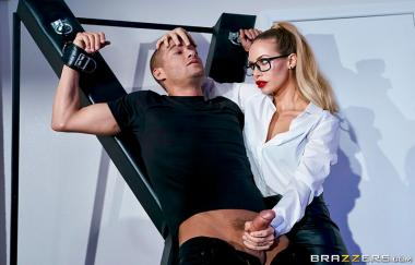 Brazzibots: Uprising Part 2 – Nicole Aniston