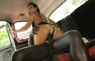 Princess Jasmine, Freddy Gong - Horny Driver Hungry For Black Cock