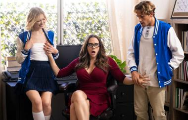 Chanel Preston, Chloe Cherry - Teachers Heavy Pets - Stepmomlessons