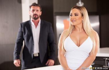 Amber Jade, Manuel Ferrara - Amber In The Hills: Part 3 - Brazzers Exxtra - Brazzers