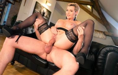 Subil Arch - Russian Milf Romanced In Stockings