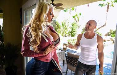 Nicolette Shea, Johnny Sins - Can You Fix My Wi-fi? - Real Wife Stories