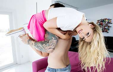 Dakota Bleu - Dakota Gets Her Pussy Stretched - Dont Break Me