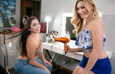 Karlee Grey, Alexa Grace - Salon Encounter