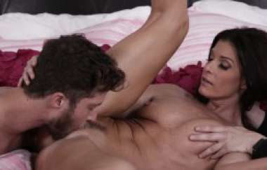 India Summer, Dylan Snow - India Summer Gets Her Pussy Licked And Fucked