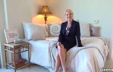 Laura Bentley - Making A Milf-estate Video