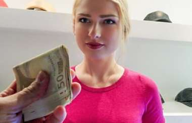 Lucy Heart - Blonde Filled With Customer Service - Public Pickups