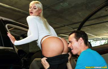 London River , Justin Hunt - Daycare Milf - Milf Hunter