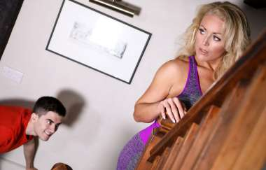 Rebecca Jane Smyth, Jordi El Nino Polla - Peeping Stepson - Mommy Got Boobs