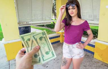 Piper June - Backstreet Pussy Stretching - Public Pickups